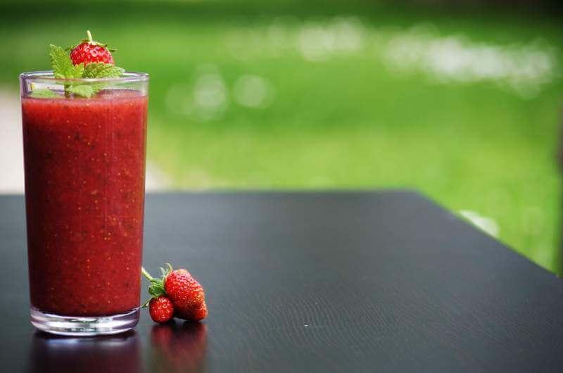 berry-beverage-blur