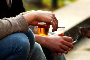 smoking cigarettes linked to hearing loss